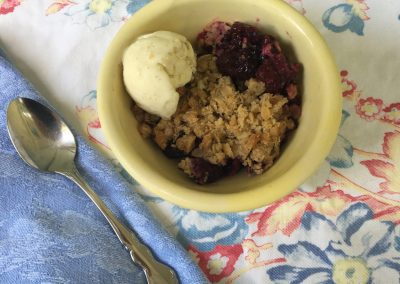 Slow Cooker Blackberry Crisp